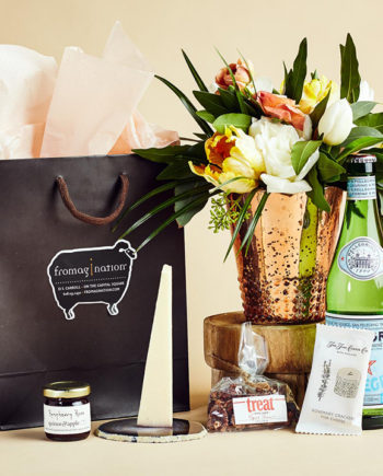 Fromagination features gift bags with Italian sparkling water