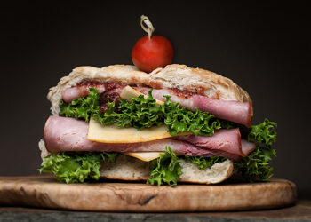 This is a picture of the Munster Mash Sandwich, featured at Fromagination.