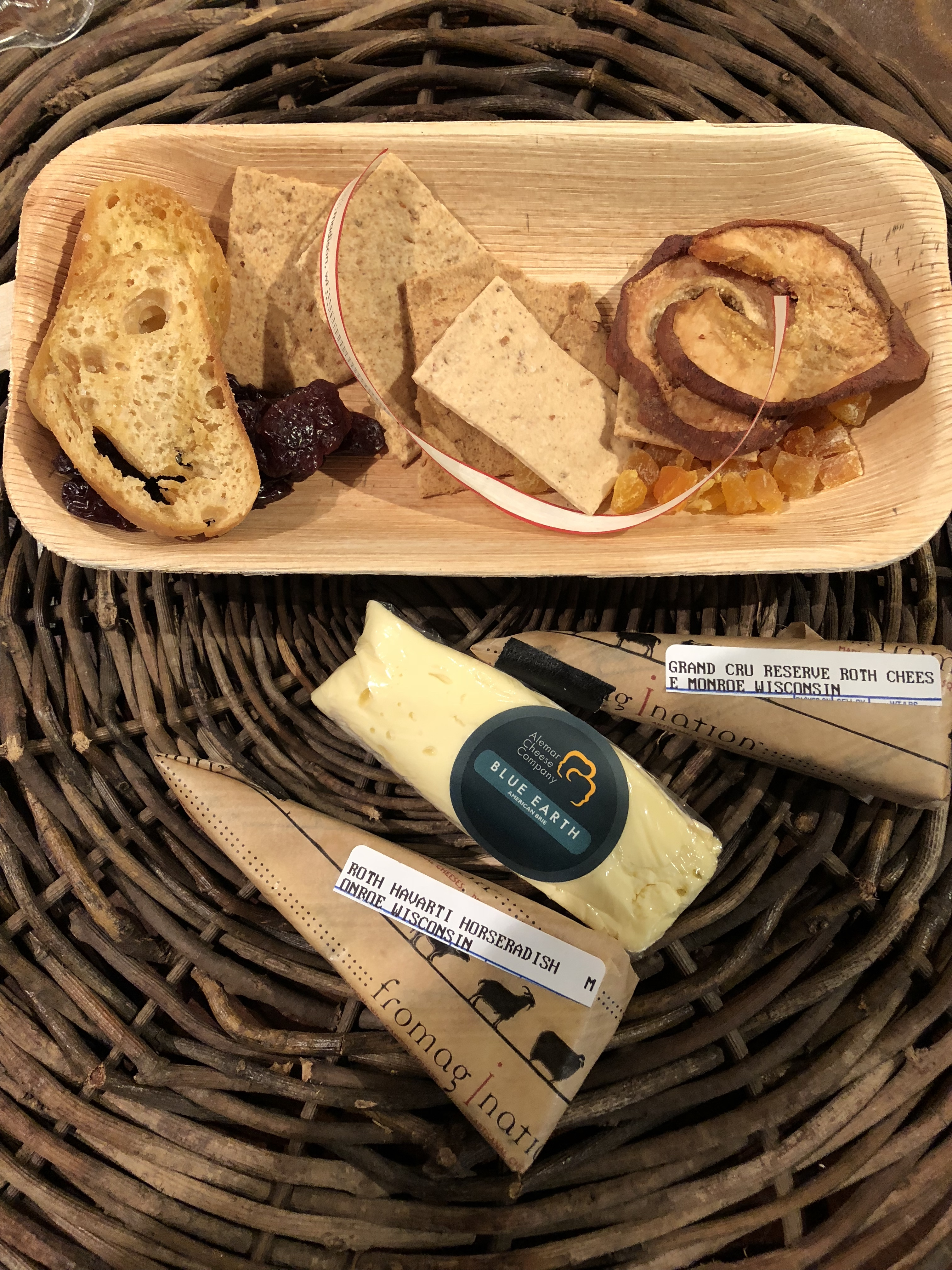 & Cheese Plate To Go | Fromagination | Wisconsin artisan cheese