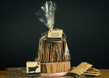 This is a picture of Fromagination's Black Pepper Paremesan Crackers.