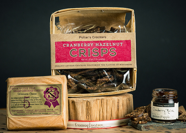 This is a picture of Fromagination's Hook's Five-Year Cheddar Gift Set