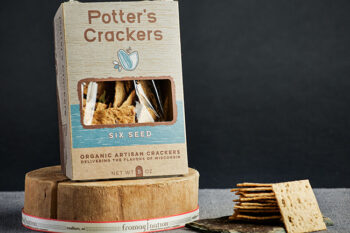 This is a picture of Potter's Six Seed Crackers.