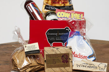 This is a picture of the Wisconsin Originals Gift Set, offered by Fromagination.
