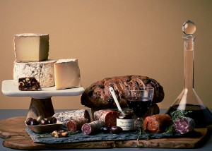 Fromagination offers cheese and meat platters