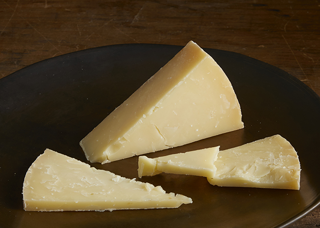 This is an image of Bleu Mont Bandaged Cheddar cheese.