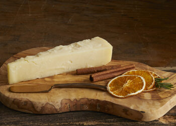 This is a picture of Deer Creek's Moon Rabbit cheese, featured at Fromagination.