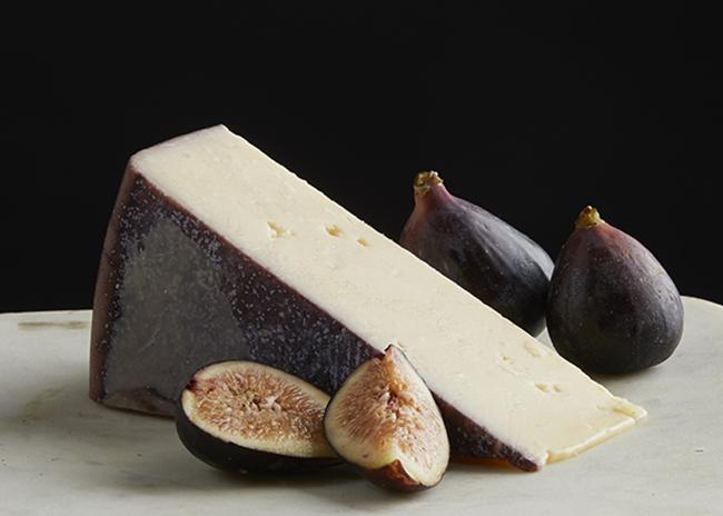 Fromagination features Sartori BellaVitano Merlot cheese