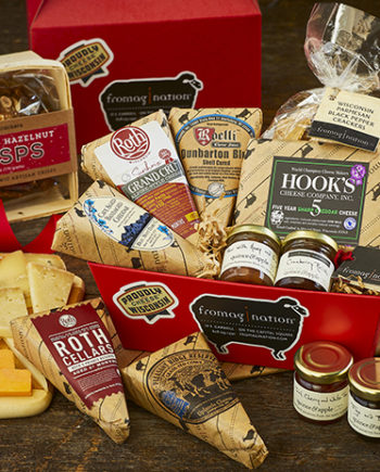 This is a picture of the Wisconsin Ultimate Collection Gift Set from Fromagination.