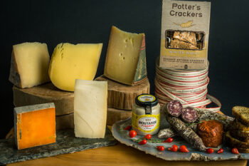 This is a picture of Fromagination's Down on the Farm gift set