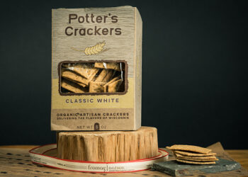 This is a picture of Potter's Classic White Crackers offered by Fromagination