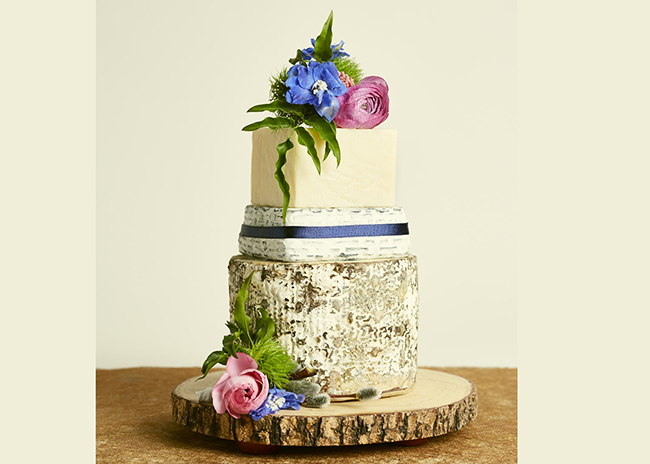 This is a picture of the Forget-Me-Not Cake of Cheese from Fromagination.