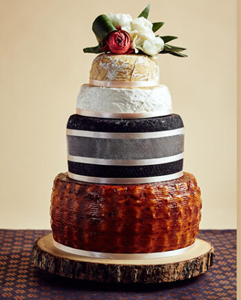 This is a picture of the Porto Duet Cake of Cheese from Fromagination.