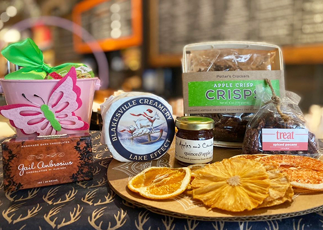 This is a picture of Fromagination's Mother's Day Gift Set with Chocolate
