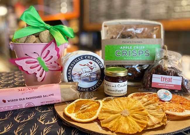 This is a picture of Fromagination's Mother's Day Gift Set with Meat