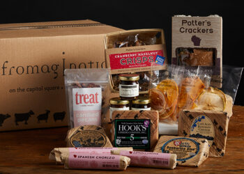 This is a picture of the Award Winning Collection Gift Set with meat, offered by Fromagination.