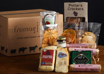 This is picture of the Cheese for Giving Gift Set, offered by Fromagination.