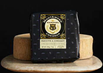 This is a picture of Montemore Cheddar cheese, offered by Fromagination.