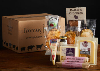 This is a picture of the Dairyland Gems Gift Set, offered by Fromagination
