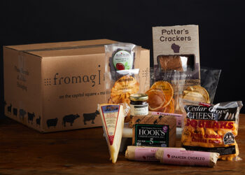 This is a picture of the Fresh Pature gift set, offered by Fromagination.